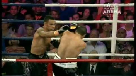 Video for Gunnar Jackson lasts 10 rounds with Mundine
