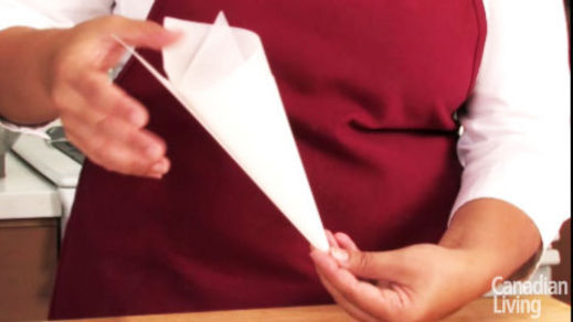How to make a paper piping cone