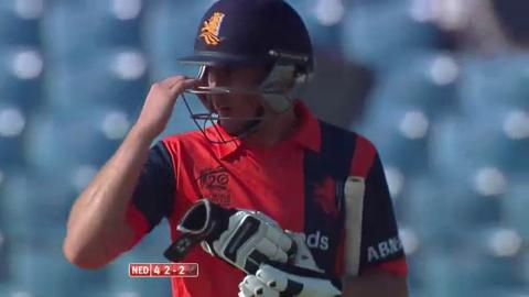 M25:  NZ v Ned - Wesley Barresi Wicket