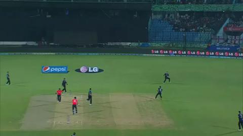 M15: ENG v NZ - Alex Hales Wicket