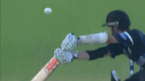 M25: NZ v Ned - Kane Williamson Wicket