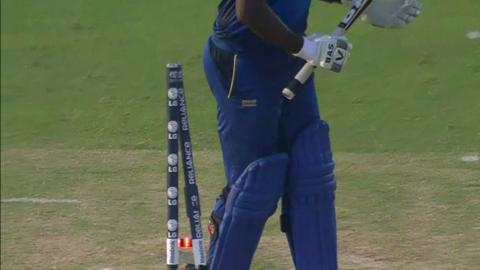M14: SL v SA - Angelo Mathews Wicket