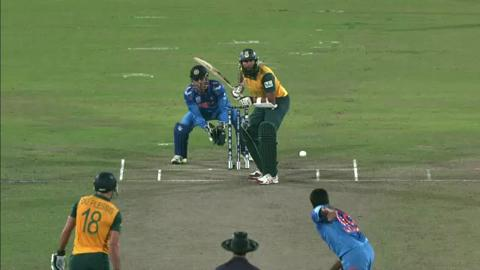 SF2: South Africa v India - Hashim Amla Wicket
