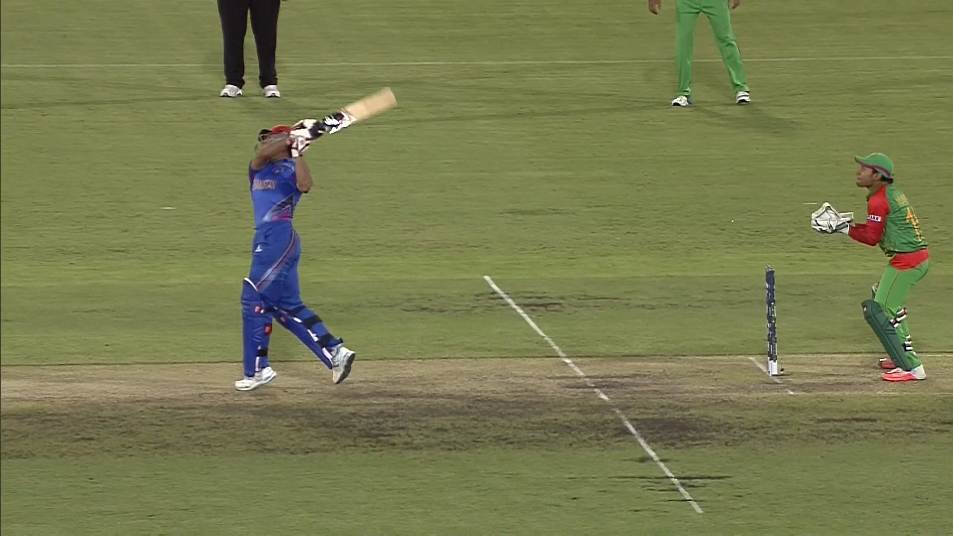 Aftab Alam hits a massive six – BAN vs AFG