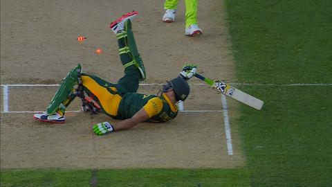 Faf du Plessis destroys the stumps in Auckland at CWC15