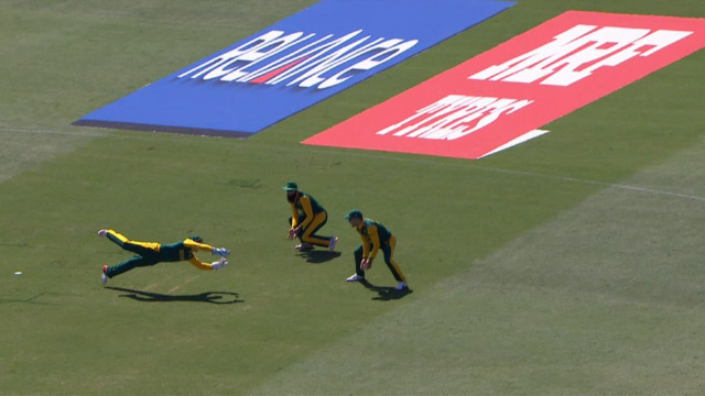 Excellent catch by De Kock!