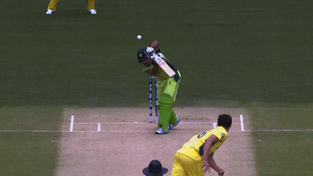 Sarfraz Nearly Bowled by Starc In First Over