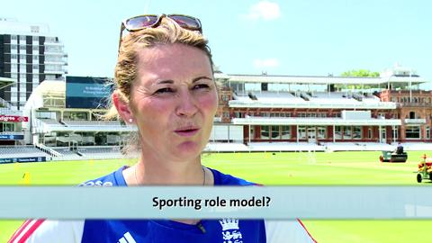 Charlotte Edwards - Round the Wicket