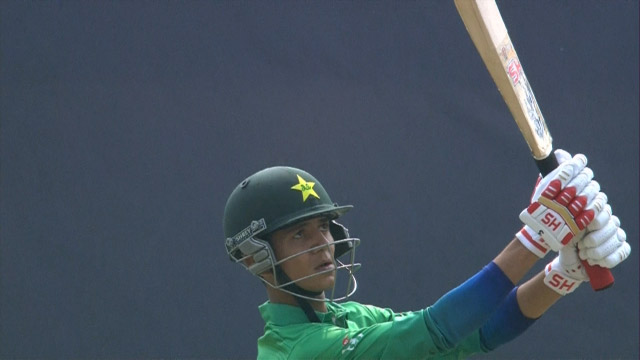 Mohsin smashes 22 off an over!