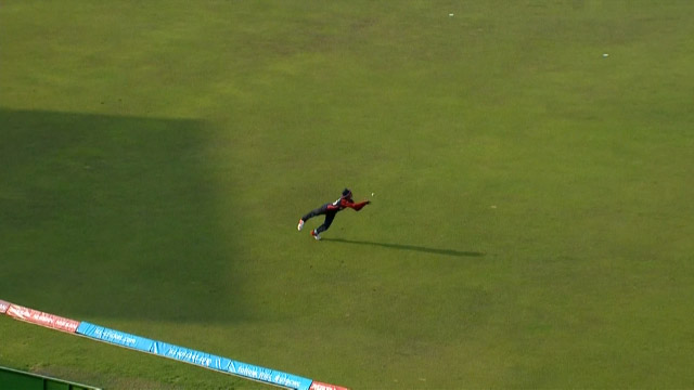 Sunar nearly takes a stunning catch
