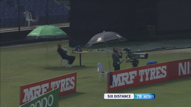 Jaffer's Six startles the Cameraman!