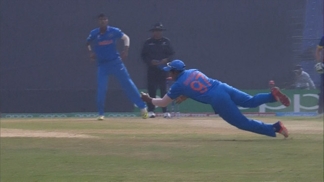 Sarfaraz flies to catch a one-hander