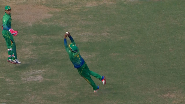 Diving Catch from Hafeez at slip