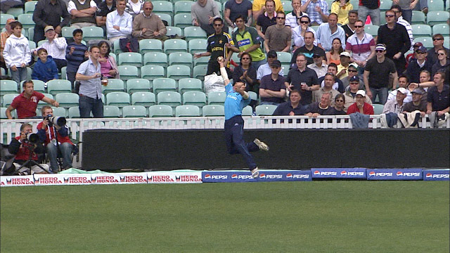 Coetzer soars to grab catch of the tournament v South Africa