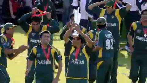 Shahid Afridi leading the way in final to seal Pakistan triumph