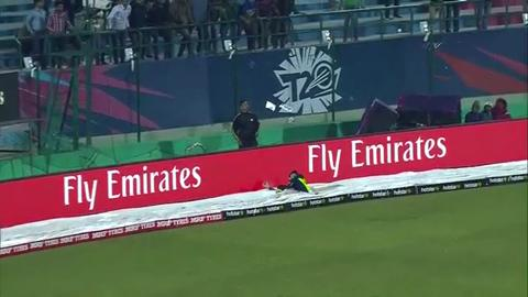 Gary Wilson defies gravity, Ireland v Oman, ICC World T20