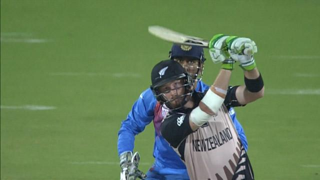 Guptill smashes first ball of Super 10 for 6!