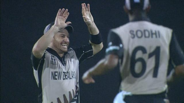Nathan McCullum takes a stunning catch!