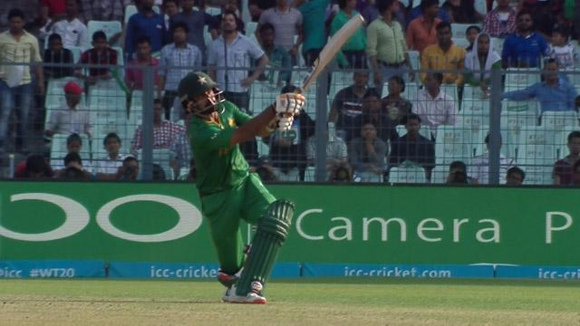 Hafeez hits a massive Six!