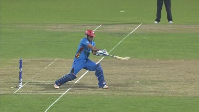Shenwari pulls out the'reverse switch slip' shot!
