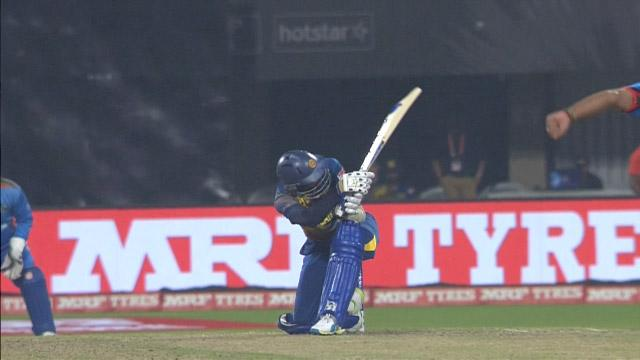 Dilshan gets the Dilscoop out for amazing 6!
