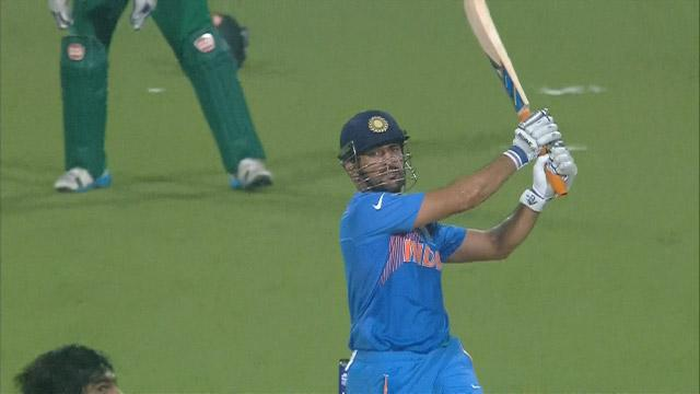 Dhoni's 6 sends India into raptures!
