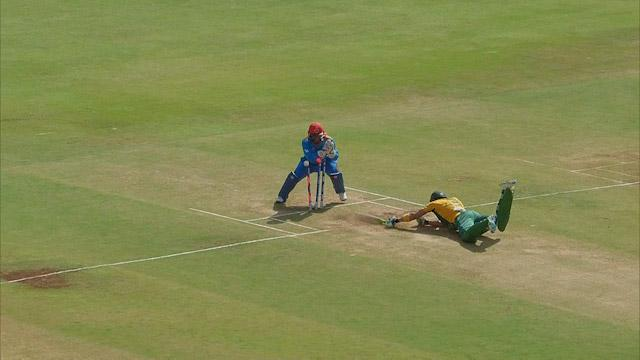 Nabi's quick throw catches Du Plessis short