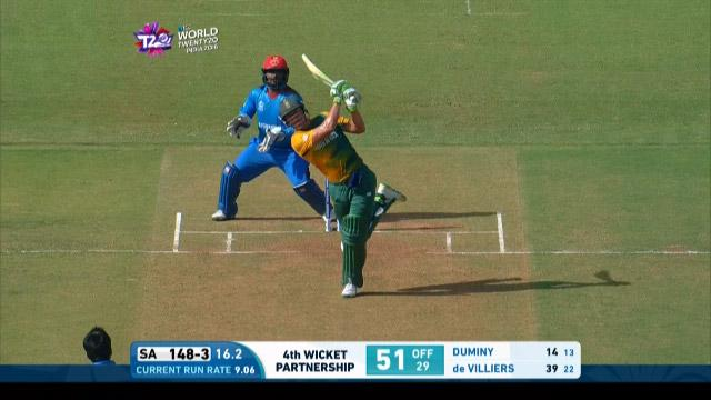 AB de Villiers nearly cleans out his team-mates with 93m Six!
