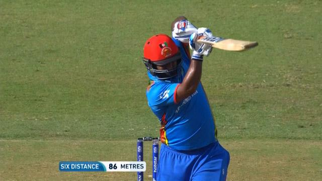 Shahzad's outrageous six over long-on!