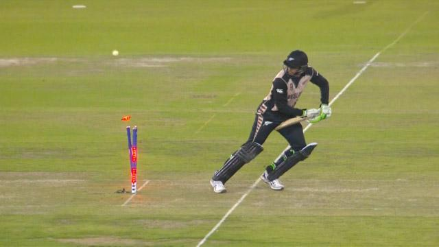 New Zealand wicket Losses v Pakistan Video ICC WT20 2016