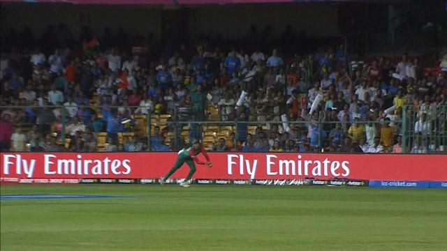 Soumya Sarkar takes a stunning catch to dismiss pandya