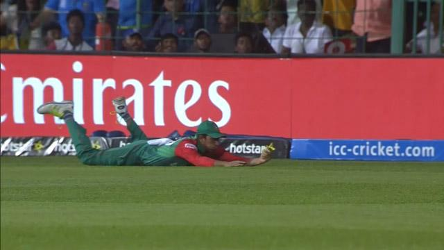 Soumya Sarkar grabs a stunning catch in the deep