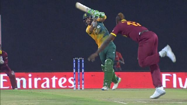 Spectacular Six over long-off from Du Plessis