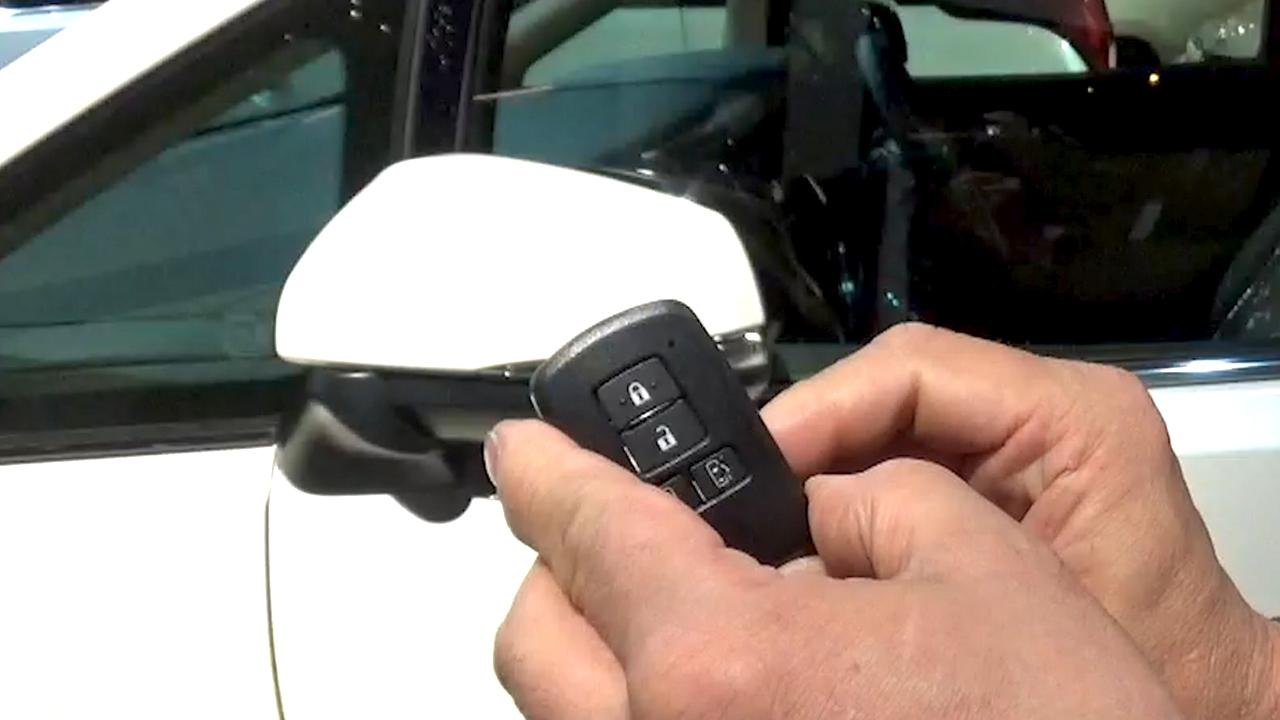 Auto thieves outwitting smart key systems in 'relay attacks':The
