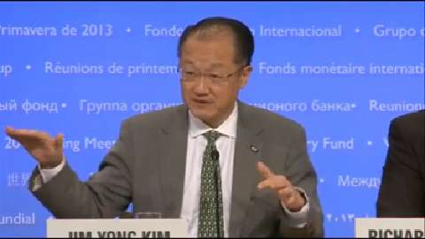 Spanish Version: Press Briefing: World Bank Group President Jim Yong Kim