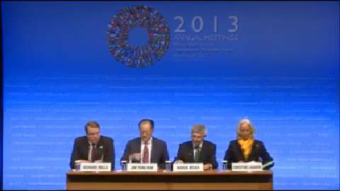 French: Press Briefing: Development Committee