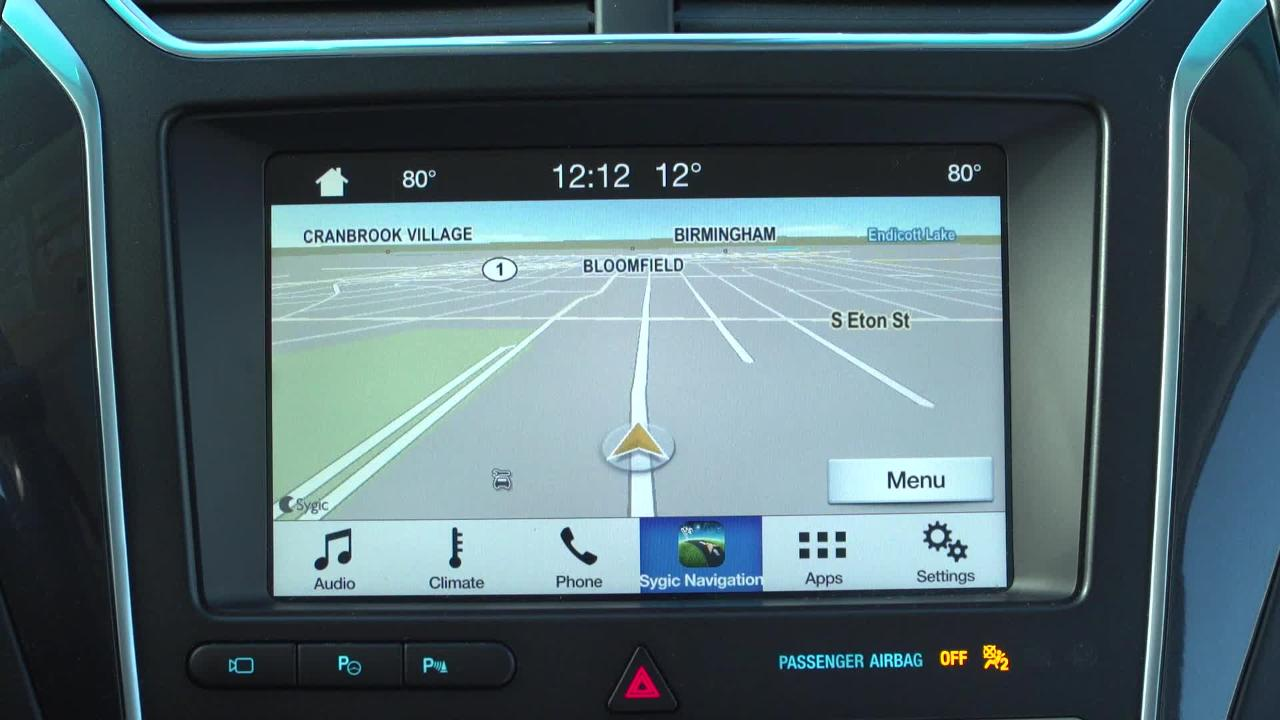 New Ford SYNC AppLink Smartphone-to-Dash Projection for Navigation